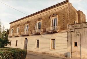 Palazzo Comi. Esterno (foto di Fernando Manni)